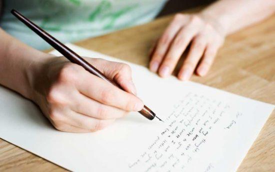 Pengertian, Fungsi dan Ciri-Ciri Teks Deskripsi Lengkap