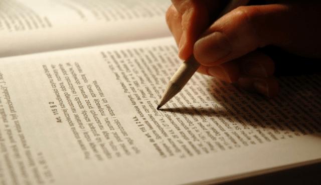Contoh Teks Ulasan: Pengertian, Jenis, Ciri-Ciri