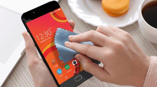 merawat smartphone android