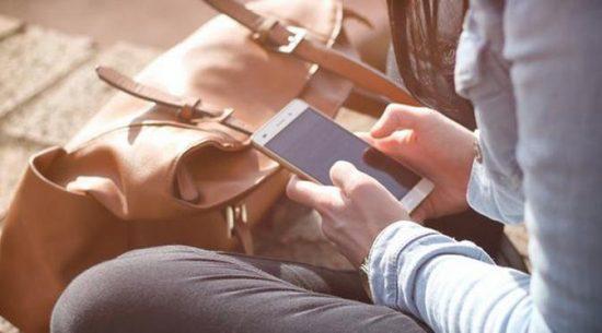 cara melindungi smartphone